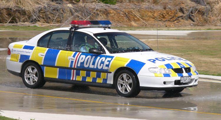 NZ_Police_Car_-_Flickr_-_111_Emergency_(1)
